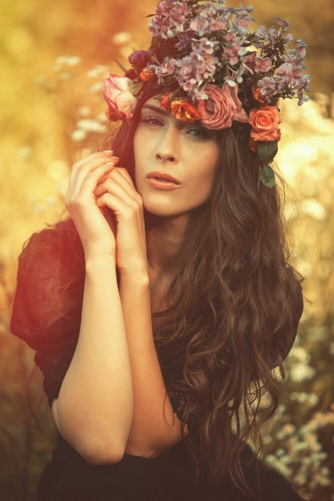 festivalkapsels-lang-haar-bloemenkroon