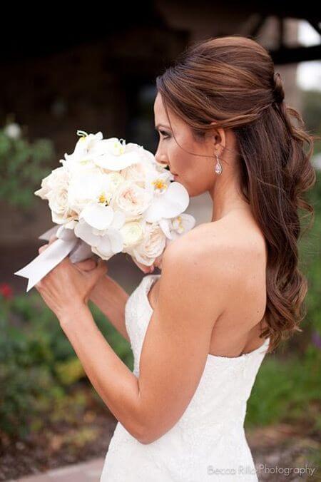half-opgestoken-trouwkapsel