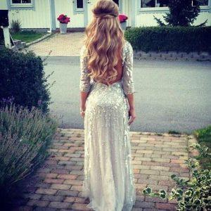 lang-gekruld-blond-trouwkapsel