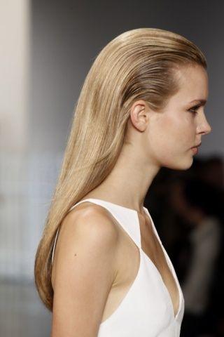sleek-wet-hairstyle