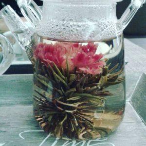 Had a pretty flower tea ???