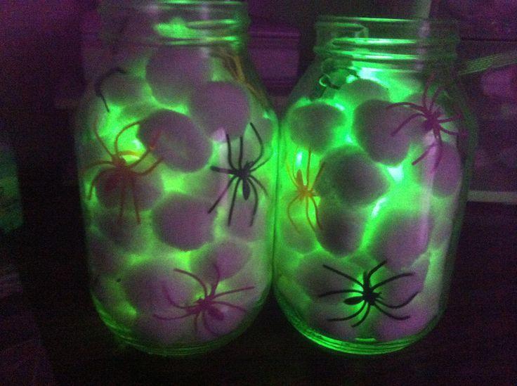 halloween-decoration-spiders