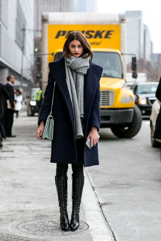 blauwe-winterjas-mantel-outfit