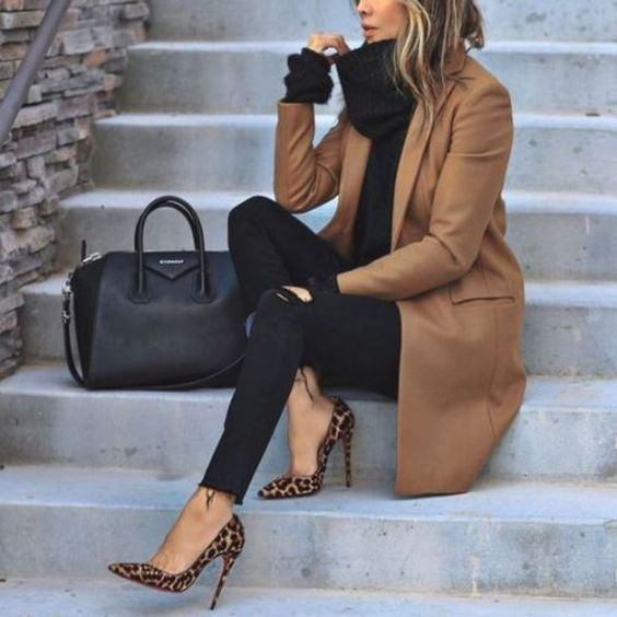 camel-coat-outfits