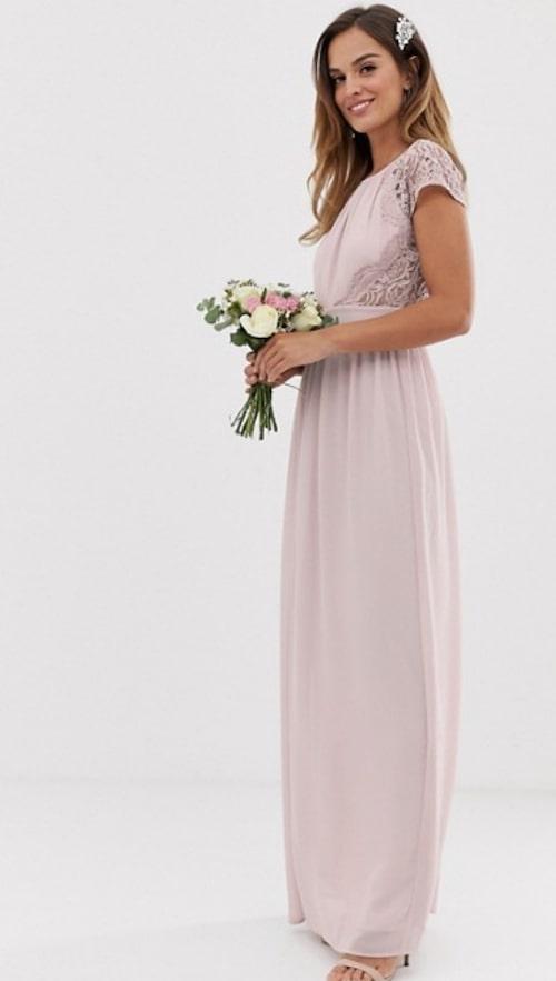lila-trouwjurk