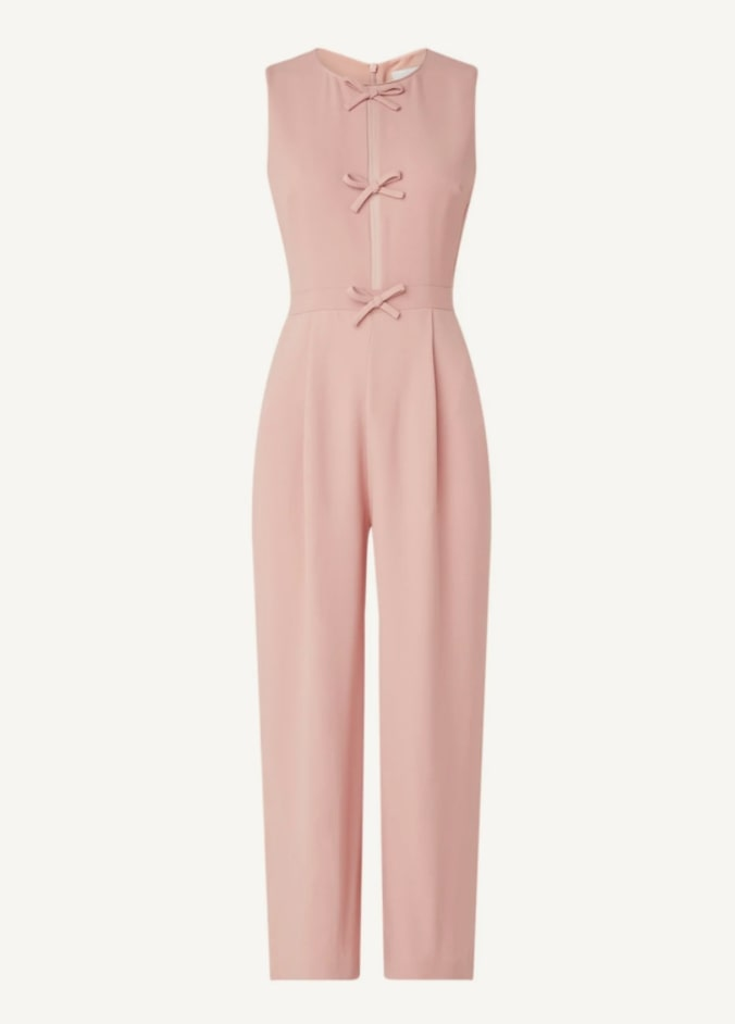 jumpsuit-gekleed