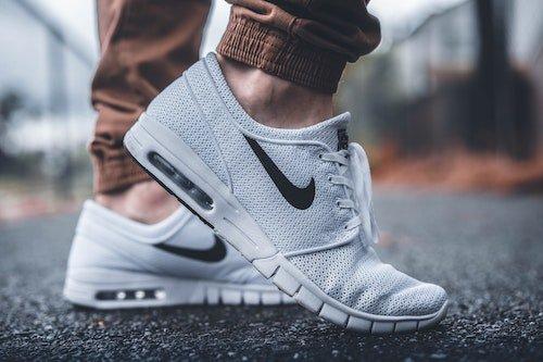 witte-schoenen-weer-wit