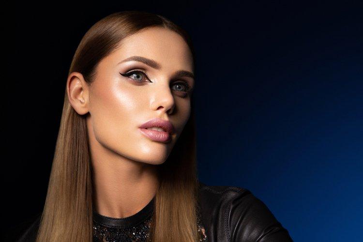 hoe-eyeliner-leren-aanbrengen
